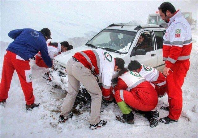66 مسافر گرفتار در برف و کولاک در آذربایجان غربی نجات یافتند