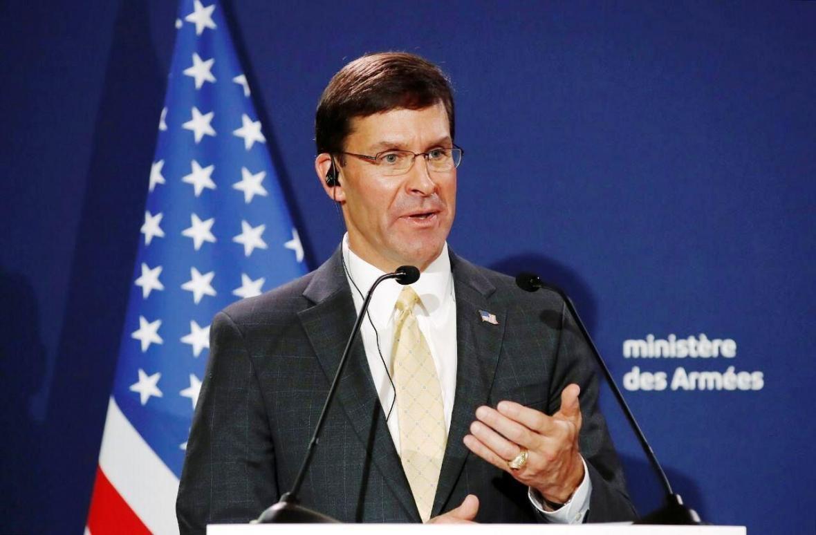 خبرنگاران وزیر دفاع آمریکا: برای مقابله با چین در سراسر آسیا تجهیزات نظامی مستقر می کنیم