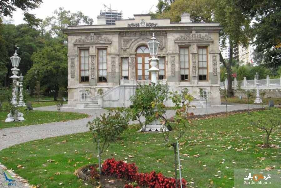 کاخ مسلک از دیدنی های سفر به استانبول