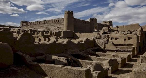 13 بنای تاریخی کرمان به مزایده گذاشته شد