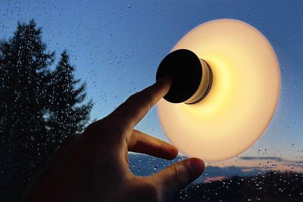 لامپی که به انواع سطوح می چسبد
