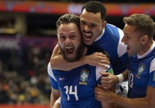 تور ارزان برزیل: جام جهانی فوتسال، صعود سخت برزیل و آرژانتین به جمع 4 تیم پایانی، سوپرکلاسیکو در نیمه نهایی